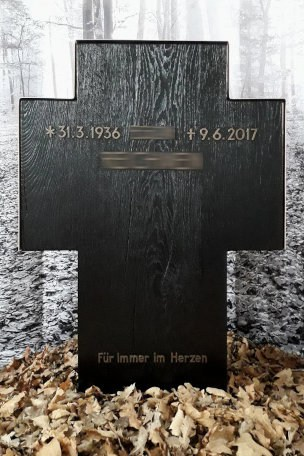 Grabstein Kreuz